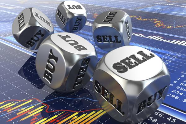 Трейдеры, зарабатывают на удачном обмене при угадывании изменения курса валют